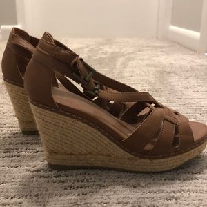 Old navy wedge!